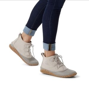 NEW Sorel Out N About Plus waterproof suede boots